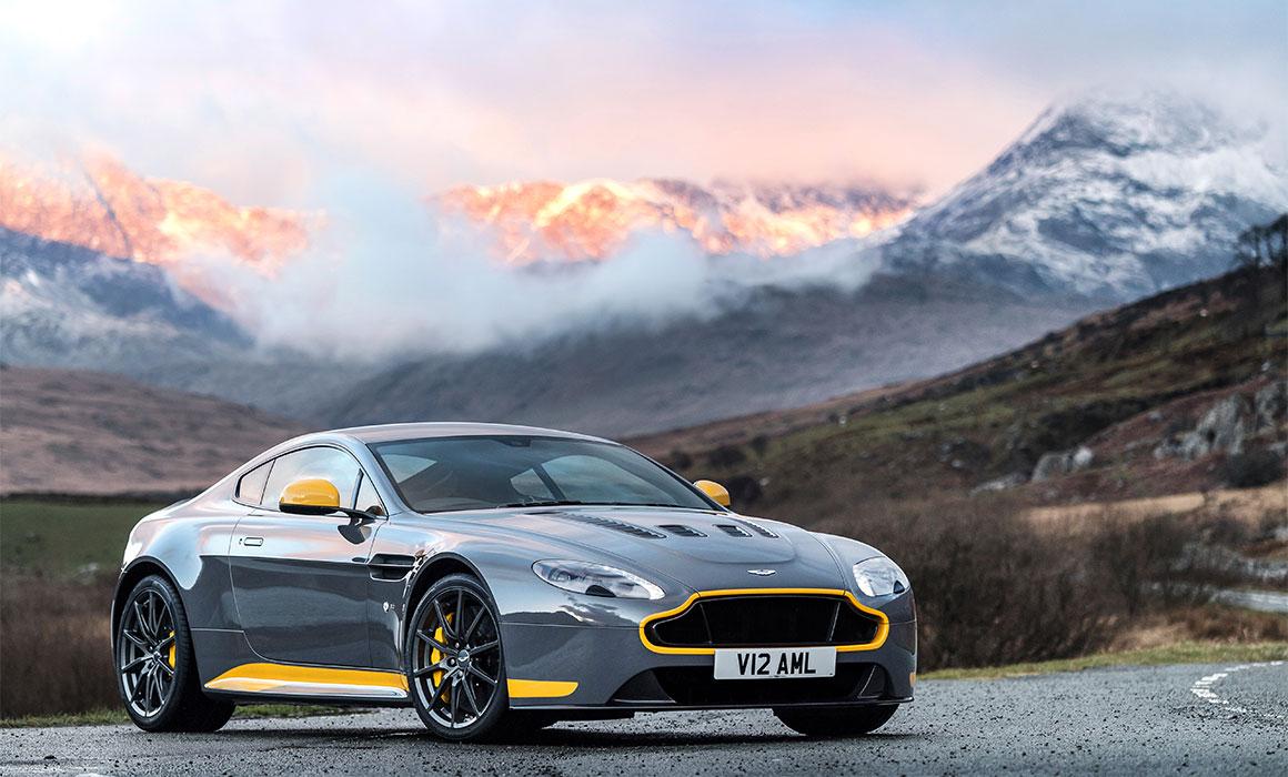 The V12 Vantage Is The Ultimate Analogue Aston Martin Aston Martin Rancho Mirage Blog